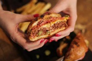 ¿Prohibirá la UE el etiquetado «hamburguesa vegetal»?